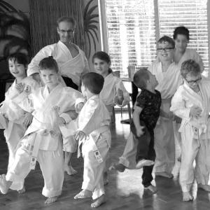 Kinder beim Karate