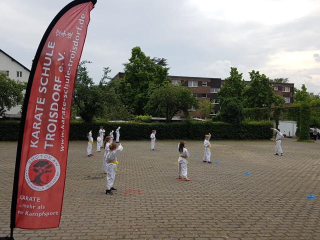 Outdoortraining der Kinder von der Karate Schule Troisdorf e.V.