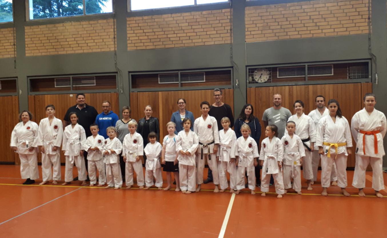 Karate-Schule Troisdorf spendet für die Flutopfer